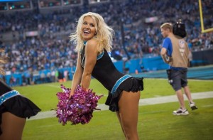 The Giants don't have cheerleaders either, so here's Kloi again. Did I mention how thankful I am?